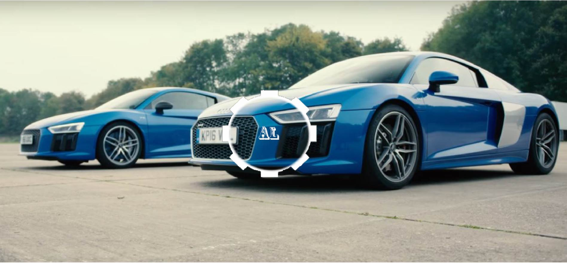 audi r8 v10 vs v10 plus drag race how much difference does 69bhp make audi lovers. Black Bedroom Furniture Sets. Home Design Ideas